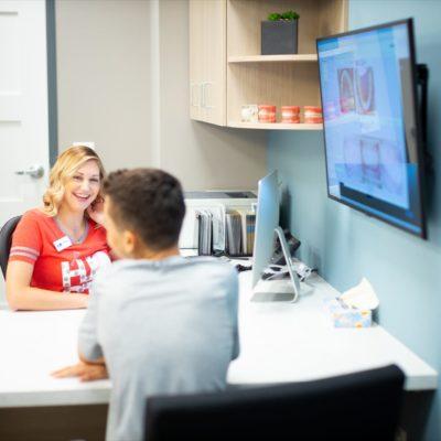 Hentscher Johnson Orthodontics Columbia Illinois Staff Candids 92 400x400 - Contact Hentscher-Johnson Orthodontics in Illinois